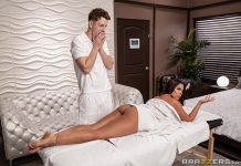 Honeymoon Rubdown Luna Star Brazzers